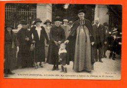 14 VICTOT-PONTFOL - Monseigneur Lemonnier à L'entrée Du Château De Mr Aumont (en L´état: Coupure à Gauche, Plis) - Autres Communes