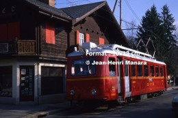 Reproduction Photographie D´un Train BVB N°22 Circulant à Villars En Suisse En 1981 - Reproductions