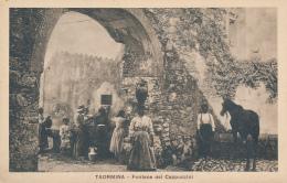 TAORMINA - Fontana Dei Cappuccini (persone, Cavallo) - Ed. F. Galifi Crupi - # 2-9874 - Messina