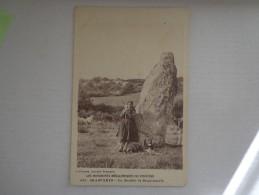CPA 29 BRASPARTS MENHIR DE ROQUINARC'H BERGERE - Autres Communes