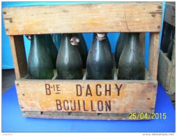 CASIER En Bois De 12 BOUTEILLES Vides De BIERE BRASSERIE J. DACHY à BOUILLON . - Bière