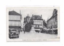 52 - LANGRES : Place Et Statue Diderot, Cathédrale, à Gauche Automobile - Langres