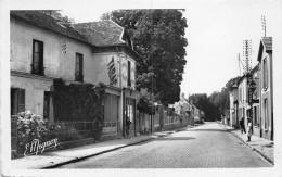 77 - Coubert - Rue Jean Jaurès Animée - Autres Communes