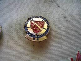 Pin´s De L´Automobile Club D´Alsace, Version OR - Badges