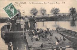 71-ARTAIX- LE DEBARQUEMENT DES POULES AU PORT - France