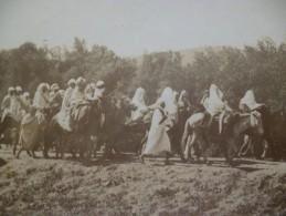 Photo Originale  Lieutenant  Catin 3ème Tirailleurs Algériens  Vers 1897 El Milia Algérie Retour De Marché - Afrique