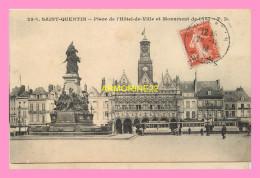 CPA  SAINT QUENTIN  Place De L Hotel De Ville Et Monument De 1557 - St. Quentin En Yvelines