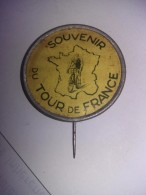 """ANCIENNE EPINGLE """"SOUVENIR DU TOUR DE FRANCE"""" - Cycling"""