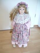 Porcellankopf-Puppe Mit Zertifikat  (317) - Puppen
