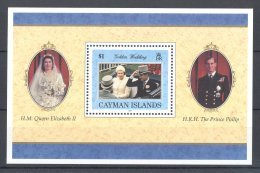 Cayman Islands - 1997 Queen Elizabeth II Block MNH__(TH-16820) - Kaaiman Eilanden