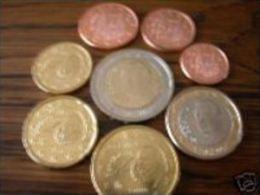Spanje  2001    De Volledige Set Van 8 Munten / 8 Pieces De 1ct A 2 Euro .     UNC Uit De Rol  UNC Du Rouleaux - España