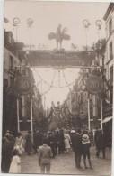 CPA PHOTO 76 DIEPPE Rue De La Barre Décorations Un Jour De Fête Aux Poilus De La Grande Guerre Rare - Dieppe