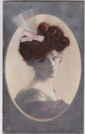 CARTE DECOREE DE VRAIS CHEVEUX-REAL HAIR DECORATED POSTCARD-TRES BON ETAT-VERY GOOD CONDITION-1920-VOYEZ 2 SCANS-TOP! ! - Femmes