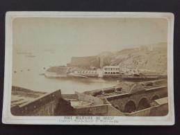 29 - BREST - PHOTOGRAPHIE SUR CARTON - Port Militare - Photographe AUBERT - Guerre, Militaire