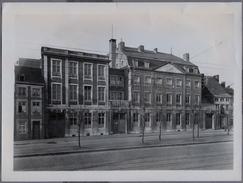 Liege  Ecole Provinciale D Infirmieres   Sur 1950y. Dimension ;182 X 240 Mm Photo Robyns     D252 - Luoghi
