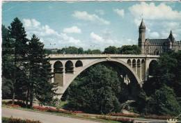 Luxembourg - Ville > Le Pont Adolphe Et La Caisse D'Epargne - Luxemburg - Town