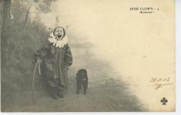 ENFANTS - DOG - Jolie Carte Fantaisie Petit Garçon BÉBÉ CLOWN Avec Chien Et Cerceau - Portraits