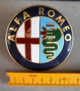 ALFA ROMEO - Brand Original - Marchio Di Fabbrica Originale- Materiale : Alluminio. - Transporto