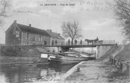 71-LA GRAVOINE- PONT DU CANAL - France