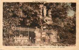 CPA - SAINT-AUBIN-des-ORMEAUX (85) - Aspect De La Grotte De Lourdes Dans Les Années 30 - Other Municipalities