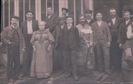 CARTE-PHOTO écrite à ALFORTVILLE Le 2 Aout 1910 Personnel D'un établissement - Alfortville