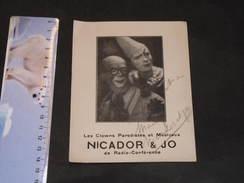 """NICADOR ET JO - LES CLOWNS PARODISTES ET MUSICAUX - Carte Dédicacée """"Sincèrement à Mady--Nicador Et Jo"""" - Artistes"""