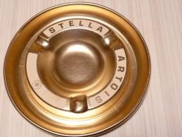 BRASSERIE - CENDRIER  --  STELLA ARTOIS --    Doré-blanc, Rond, Diamètre 18,5 Cm,  Métal - Cendriers