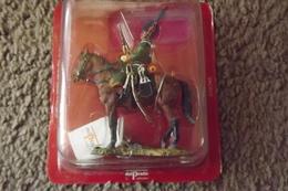 Soldats De Plomb Cavaliers Guerres Napoléoniennes Chasseur Garde Imperial France 1809  N°141 - Tin Soldiers