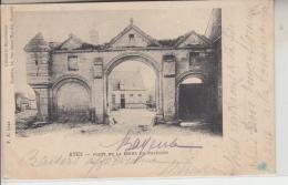 14 - RYES - Porte De La Ferme Du Pavillon - Port-en-Bessin-Huppain