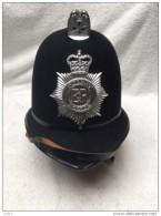 Casque ANGLAIS  POLICE  ( BOBBY)  Policeman - Casques & Coiffures