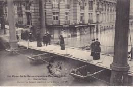 CO-  PARIS  CRUE DE LA SEINE QUAI DE PASSY VOIR VERSO PUB AUX PHARES DE LA BASTILLE CPA  CIRCULEE - Inondations De 1910