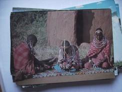 Africa Kenia Kenya Women Displaying Their Beads - Kenia