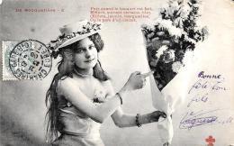 [DC3340] CPA - DONNA CON MAZZO DI FIORI E CAPPELLO - Viaggiata 1906 - Old Postcard - Femmes
