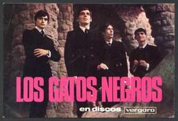 *Los Gatos Negros* Al Dorso Firma Autógrafa. Impreso *Discos Vergara* Medidas: 102x152 Mms. - Autógrafos