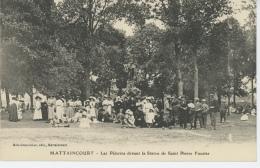 MATTAINCOURT - Les Pèlerins Devant La Statue De Saint Pierre Fourrier - Other Municipalities
