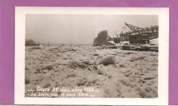37  CARTE PHOTO  TOURS  LA LOIRE GELEE  22  DECEMBRE   1938    BATEAU   2 SCANS - Tours