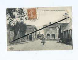 CPA  -  Le Quesnoy - La Porte De Valenciennes - Le Quesnoy