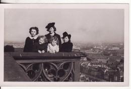 Carte Postale Photo STRASBOURG (Bas-Rhin) Famille Tour Cathédrale Plateforme Panoramique Vue Sur La Ville - Strasbourg