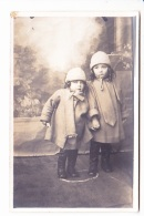 NORBERTE ET GASTON, DEUX ENFANTS EN MANTEAU, PORTRAIT, Ed. ? 1920 Environ - Photographie