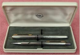 Tintenstift Und Feinminenstift Von Reform - Mit Aufschriften : 125 Jahre Opel 1862-1987 - Schreibgerät