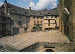 12 - Conques - Place De L'église - Autres Communes
