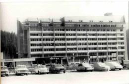 Hotel Lotru - Cars - Voineasa - Old Photo - Romania - Unused - Photographs