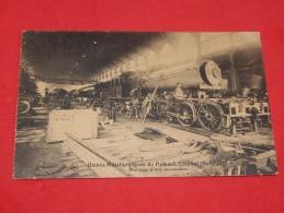 COUILLET  -  CHARLEROI  -  Usines Métallurgiques Du Hainaut - Montage D'une Locomotive -  (2 Scans) - Charleroi