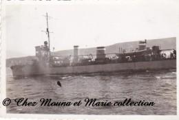 BAIE DE LA FRESNAYE 1933 - CONTRE TORPILLEUR - NAVIRE DE GUERRE - COTES D ARMOR - PHOTO MILITAIRE 8.5 X 5.5 CM - Guerre, Militaire
