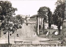 19480. Postal MONT LOUIS Sur TET (Prades)  Le Tennis Dans Remparts De Vauban - Prades