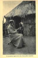 Le Premier Signe De La Croix D'une Petite Angolaise. - Angola