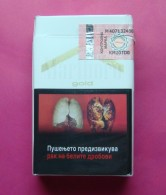 MARLBORO GOLD MACEDONIA EDITION WITH FISCAL STAMP HARD PACK. - Boites à Tabac Vides