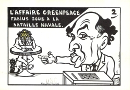 CPM  L'AFFAIRE GREENPEACE FABIUS JOUE A LA BATAILLE NAVALE LARDIE POLITIQUE CARICATURE SATIRIQUE TIRAGE LIMITE - Lardie