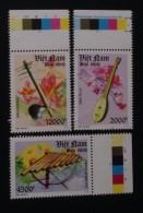 Vietnam Viet Nam MNH Perf Stamps 2013 : National Musical Instruments / Music (Ms1037) - Vietnam