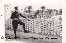 TUNISIE - GABES 1939 - LA CASERNE - PHOTO MILITAIRE 10.5 X 7 CM - Guerre, Militaire